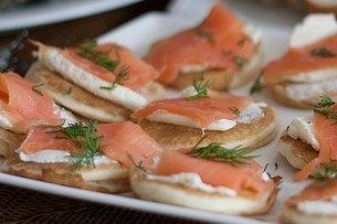 Receta de entrante de salmón y queso