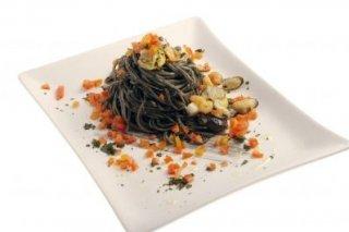 Receta de espagueti negro con rape