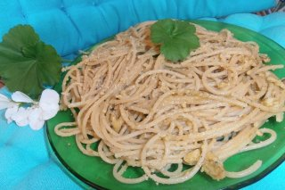 Receta de espaguetis al pesto en el microodas