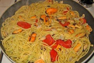 Receta de espaguetis con frutos del mar