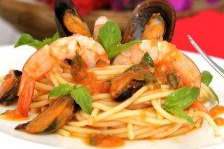 Receta de espaguetis con langostinos y mejillones