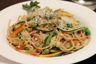 Receta de espaguetis con verduras salteadas