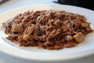 Receta de fideos con sepia y alcachofas