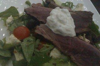 Receta de filete de cordero con ensalada griega