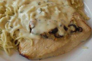 Receta de filetes de pavo en salsa de queso
