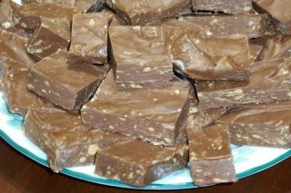 Receta de fudge de chocolate con nueces