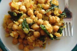 Receta de garbanzos al curry con verduras