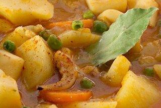 Receta de guiso caldoso de sepia con patatas