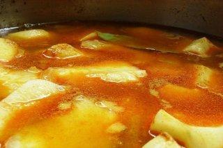 Receta de guiso de patatas con almendras