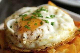 Receta de huevo sobre pan frito