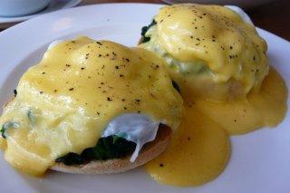 Receta de huevos escalfados con queso