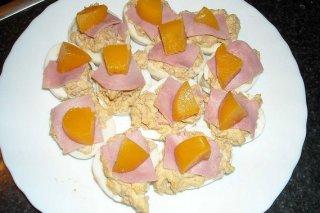 Receta de huevos rellenos con melocotón