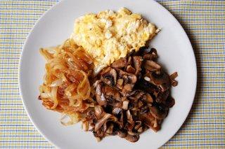 Receta de huevos revueltos con champiñones