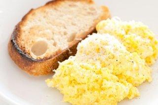 Receta De Huevos Revueltos Con Parmesano