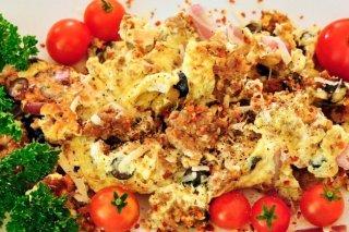 Receta de huevos revueltos con salchicha