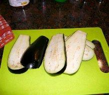 Receta de lasaña de berenjenas y carne en salsa de queso a la pimienta