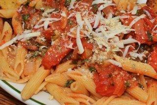 Receta de macarrones con tomate fresco