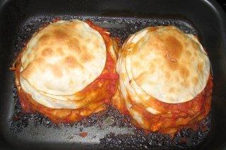 Receta de mini empanadas de atún, tomate, cebolla y pimientos