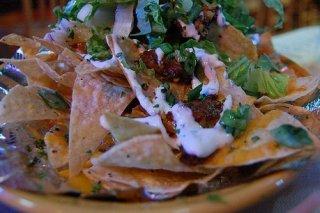 Receta de nachos con queso y salsa agria