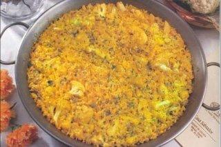 Receta de paella de alcachofas, coliflor y bacalao al tío juan