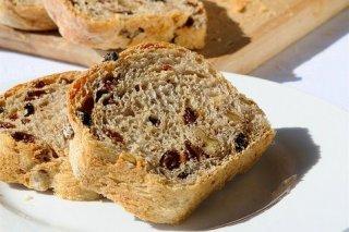 Receta de pan con pasas y miel