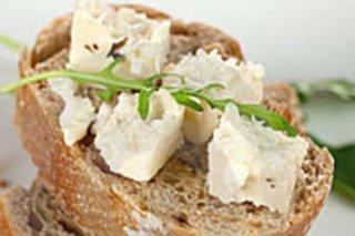 Receta de pan con queso feta y chile