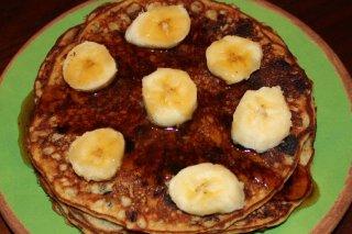 Receta de pancakes con chocolate y plátanos