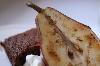 Receta de papillote de peras y pan de especias