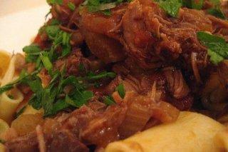 Receta de pasta con carne encebollada