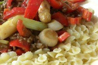 Receta de pasta con carne y pimientos