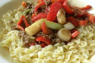 Receta de pasta con carne y verduras