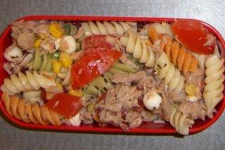 Receta de pasta en ensalada con atún