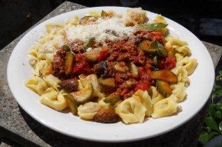 Receta de pasta con carne molida y verduras