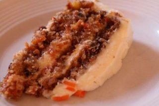 Receta de pastel vegetariano de zanahorias, nueces y pasas