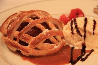 Receta de pasteles de hojaldre con relleno de chocolate y helado