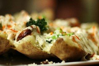 Receta de patata asada brava y alioli