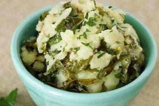 Receta de patatas cocidas con col