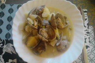 Receta de patatas con almejas