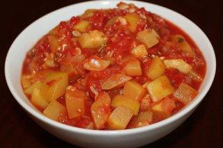 Receta de patatas con tomate frito