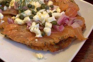 Receta de patatas rebozadas con salmón