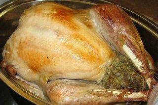 Receta de pavo relleno de carne, ciruelas y frutos secos