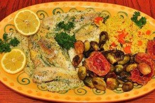 Receta de pescado con verduras al horno