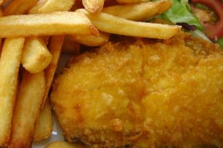 Receta de pescado frito con patatas fritas