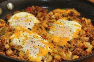 Receta de picadillo de ternera con huevos, patatas y verduras