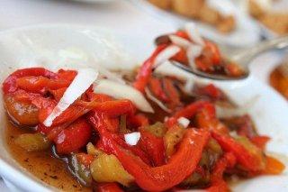 Receta de pimientos asados en ensalada