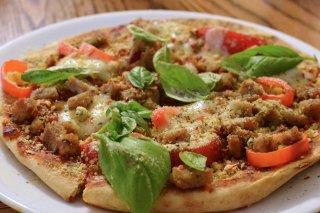 Receta de pizza casera de albahaca y cerdo