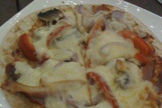 Receta de pizza de champiñones y tomates
