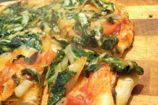 Receta de pizza de espinaca con cebolla