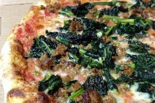 Receta de pizza de espinacas con carne