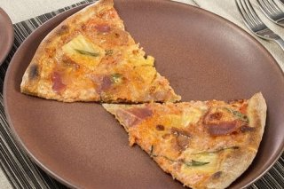 Receta de pizza de jamón y piña
